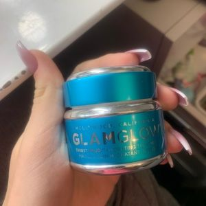 Glamglow thirsty mud treatment